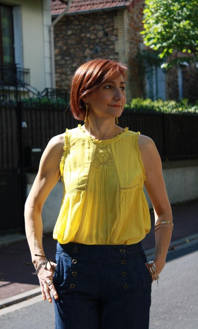 pantalon à ponts et top jaune 5