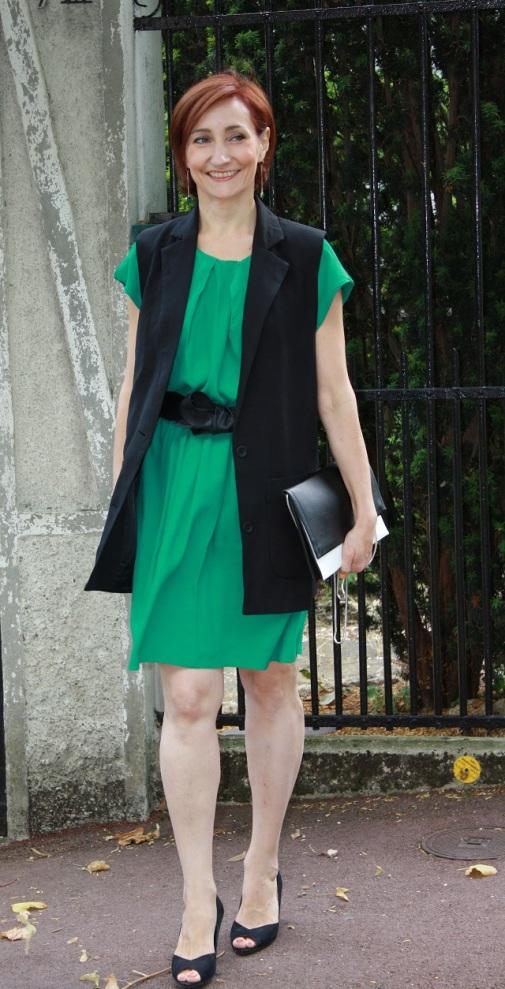 robe verte_ gilet noir 3