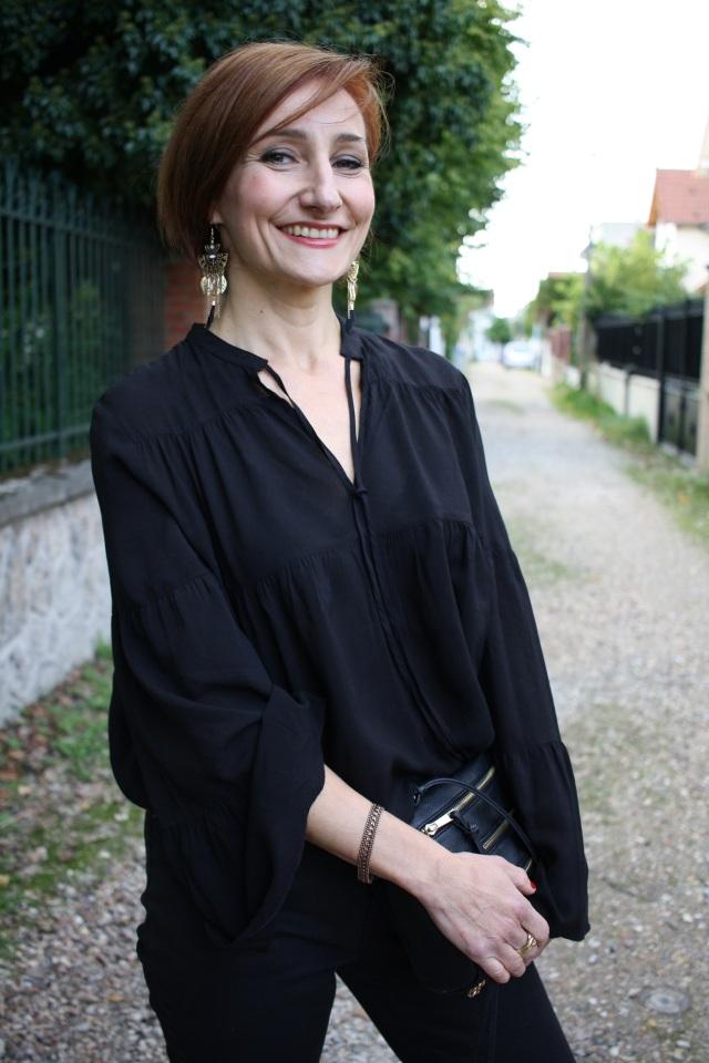 blouse_et_pantalon_noirs