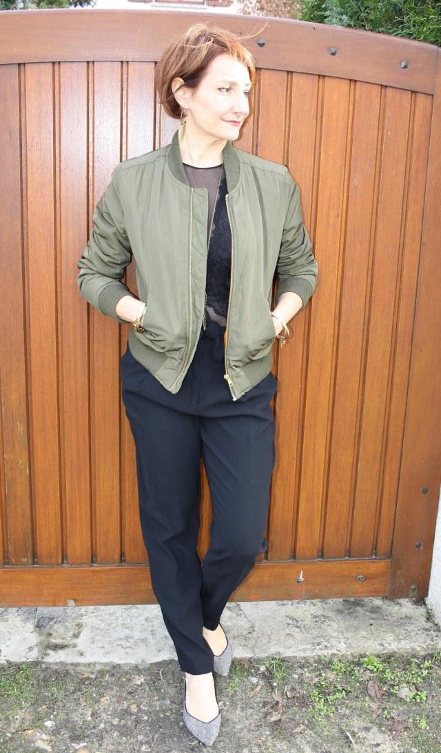 Ibomber_kaki_body_dentelle_noir_pantalon